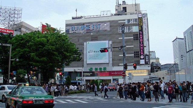 新宿駅東口広場
